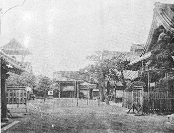 昭和20年戦火消失までの境内の様子